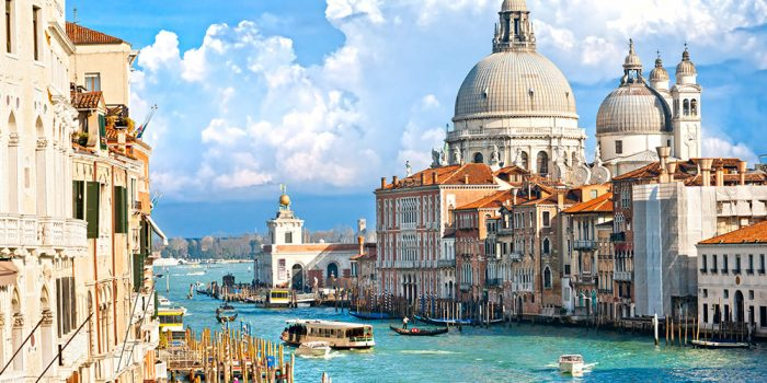 venice-travel-guide-700x350