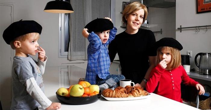 Tại sao trẻ em Pháp không cáu kỉnh? Người mẹ Pháp cho bạn biết làm thế nào để nuôi dạy một đứa trẻ độc lập và tự kỷ luật …